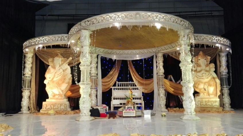 indian wedding toti hall - crystal modern set