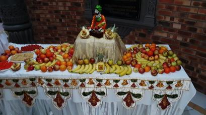 KENDRA HALL WEDDINGS - FRUIT DISPLAY